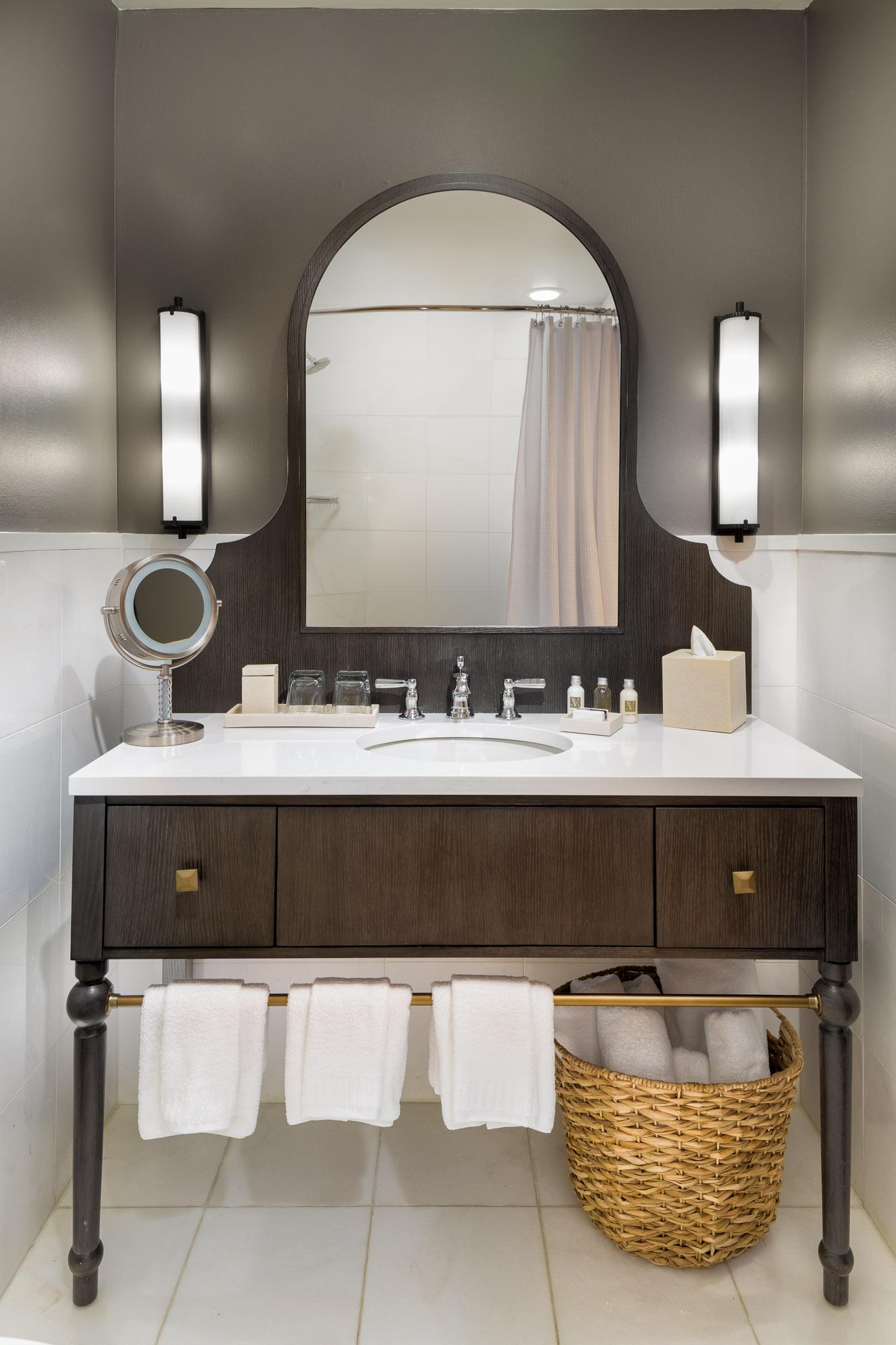 Guestroom Bathroom2